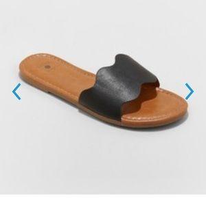 Women's Kate Scalloped Slide Sandals Size 9 Black
